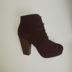 SM New York  Ankle Boots Block Heels Size 8.5